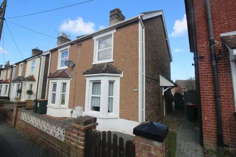 3 Bedrooms Semi Detached House for sale in Albany Road, Crawley
