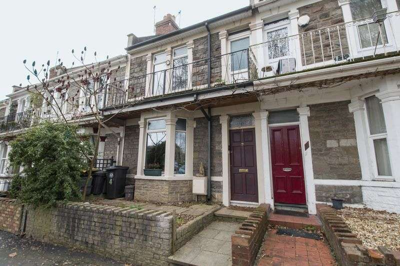 2 Bedrooms Terraced House for sale in Lake View Road, St George