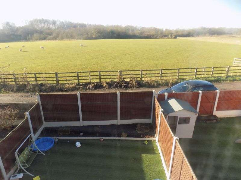 3 Bedrooms Terraced House for sale in North Street, Warsop Vale