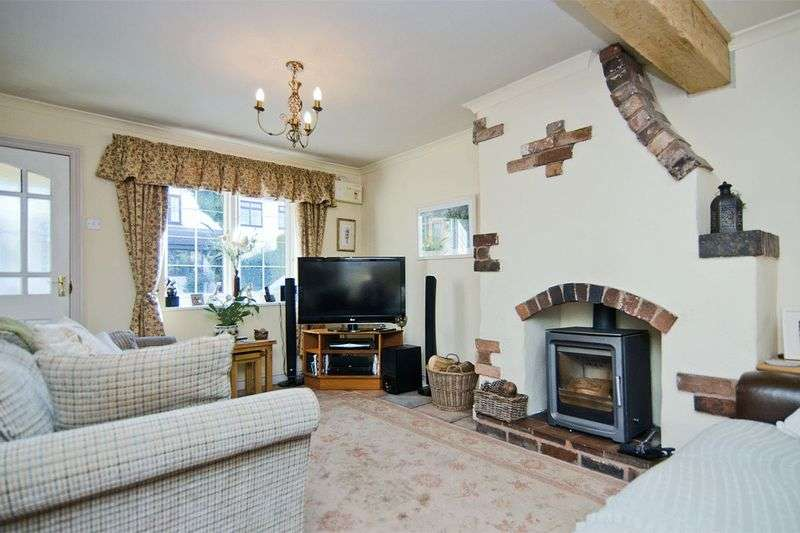 4 Bedrooms Semi Detached House for sale in Kings Road, Calf Heath, Wolverhampton