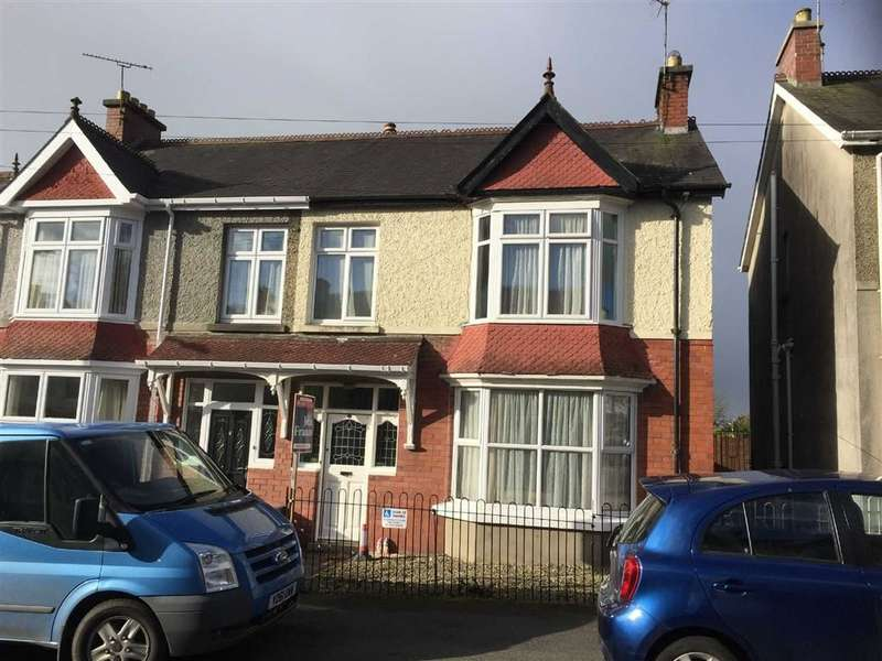4 Bedrooms Property for sale in Myrddin Crescent, Carmarthen