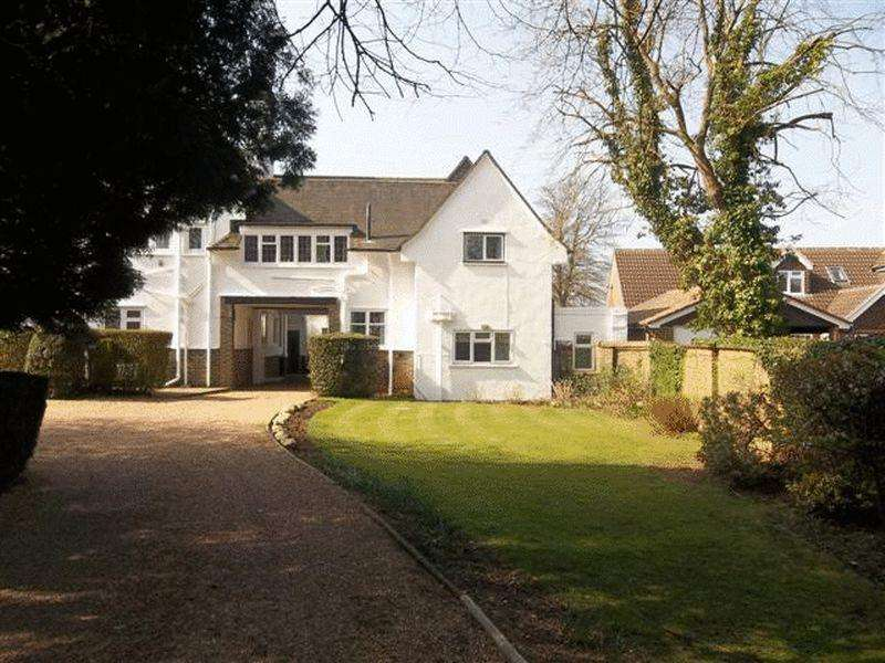 2 Bedrooms Apartment Flat for rent in Woldingham, Caterham