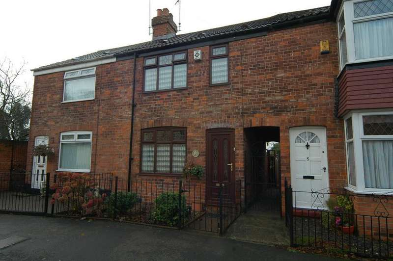2 Bedrooms Terraced House for sale in Watson Street, Sutton