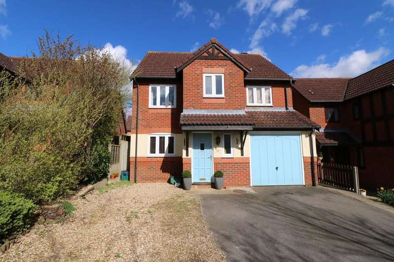 4 Bedrooms Detached House for sale in Campbell Close, Buntingford