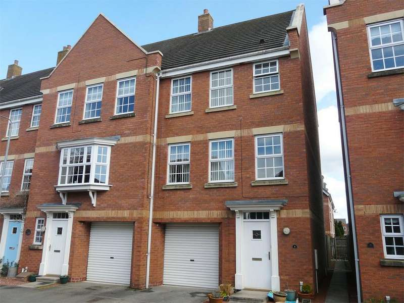 4 Bedrooms End Of Terrace House for sale in 8 Rowley Mews, Pocklington, York