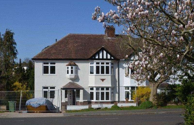 4 Bedrooms Semi Detached House for sale in Kewstoke Road, Stoke Bishop
