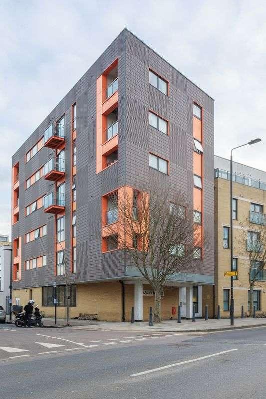 2 Bedrooms Flat for sale in Devons Road, London