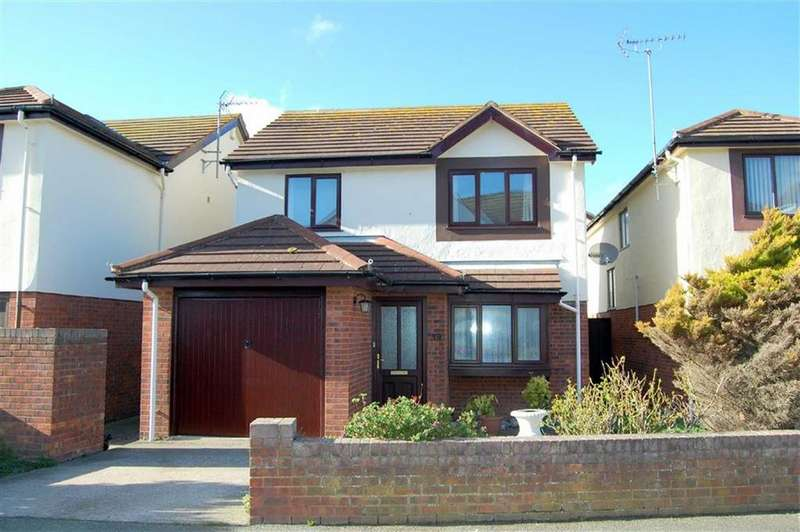3 Bedrooms Detached House for sale in The Oval, West Shore, Llandudno, Conwy
