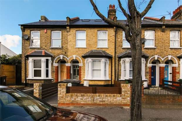 4 Bedrooms Terraced House for sale in Sophia Road, Leyton, London
