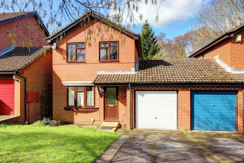 3 Bedrooms Detached House for sale in Seward Rise, Halterworth, Romsey, Hampshire