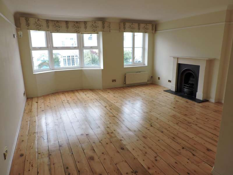 3 Bedrooms Terraced House for rent in North Gardens, Brighton