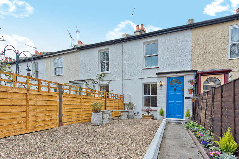 2 Bedrooms Terraced House for sale in St Leonards Road, Surbiton