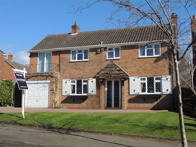 3 Bedrooms Detached House for sale in Holland Avenue, Knowle