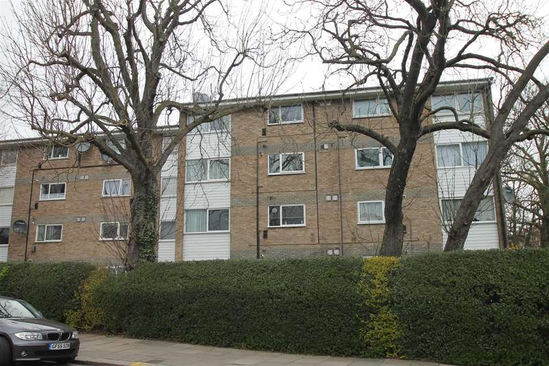 2 Bedrooms Property for sale in Pellipar Close, Palmers Green, London N13