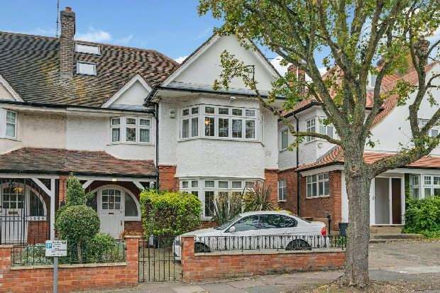 5 Bedrooms Unique Property for sale in Lyndale Avenue, Hampstead Borders, NW2