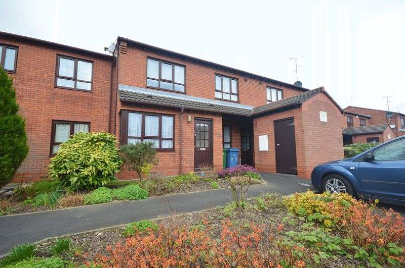 2 Bedrooms Flat for sale in Larch Grove, Wavertree