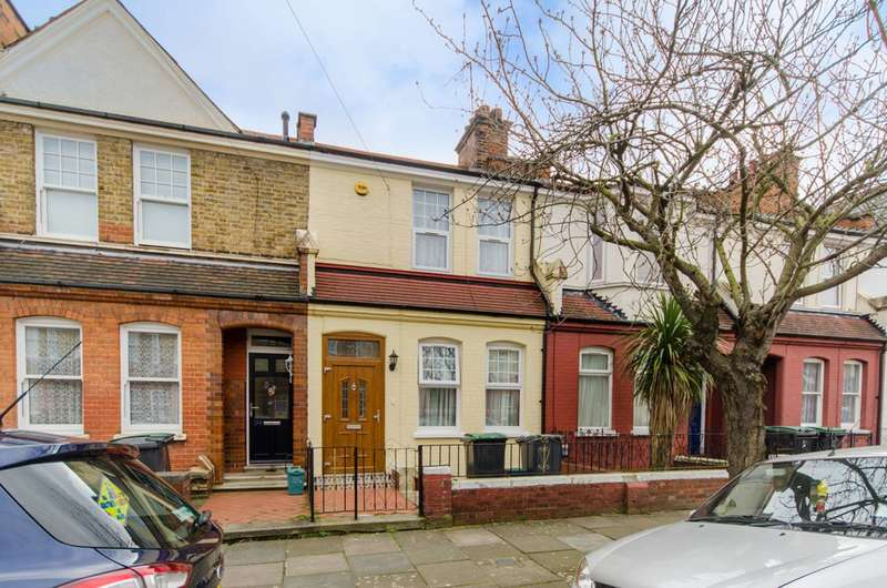 3 Bedrooms House for sale in Hewitt Avenue, Wood Green, N22