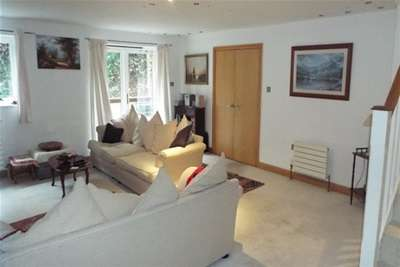 4 Bedrooms Maisonette Flat for rent in Frenchay, Bristol
