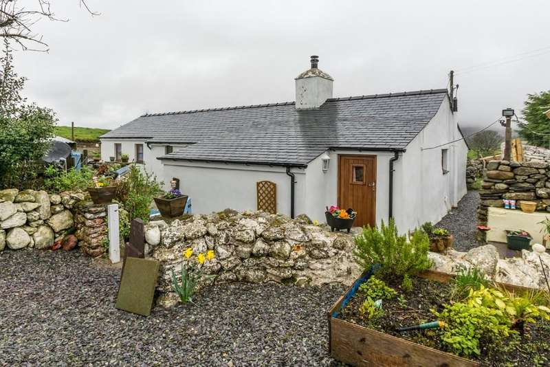 2 Bedrooms Cottage House for sale in Carmel, Caernarfon, North Wales