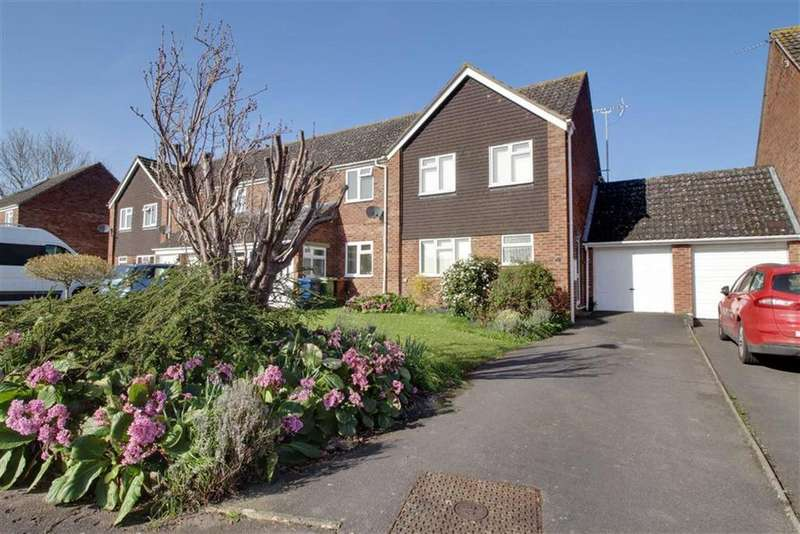 3 Bedrooms Terraced House for sale in Farthing Croft, Gloucester
