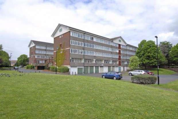 3 Bedrooms Apartment Flat for sale in Hazel Grove, London, SE26