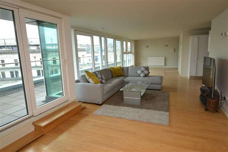 2 Bedrooms Duplex Flat for rent in Century Buildings, Deansgate, Manchester, M3