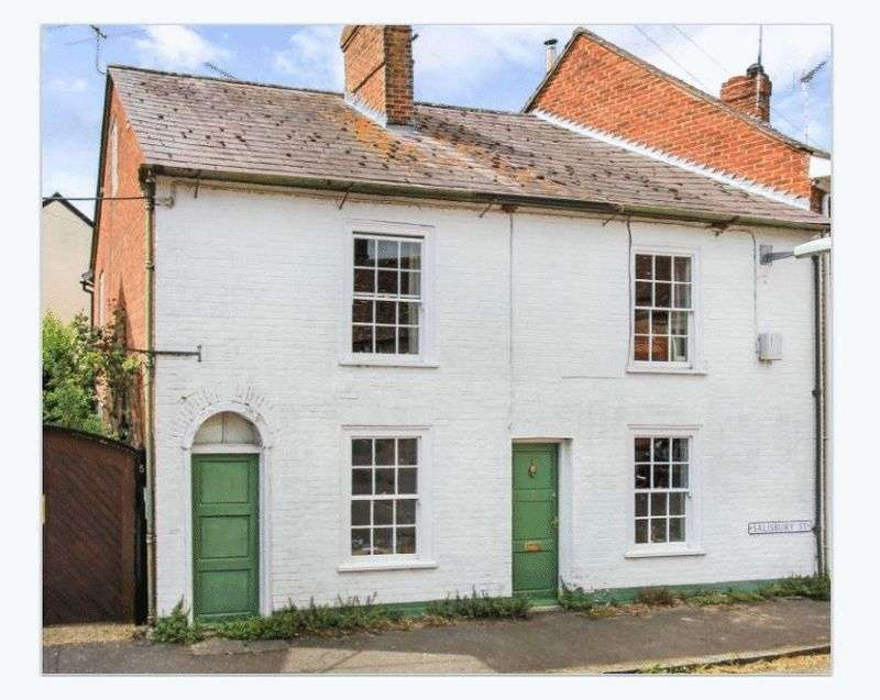 5 Bedrooms Semi Detached House for sale in Salisbury Street, BH21 5PU