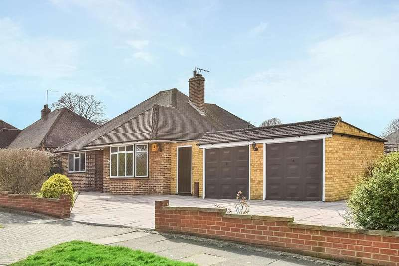 2 Bedrooms Bungalow for sale in Kemble Drive, Keston, BR2