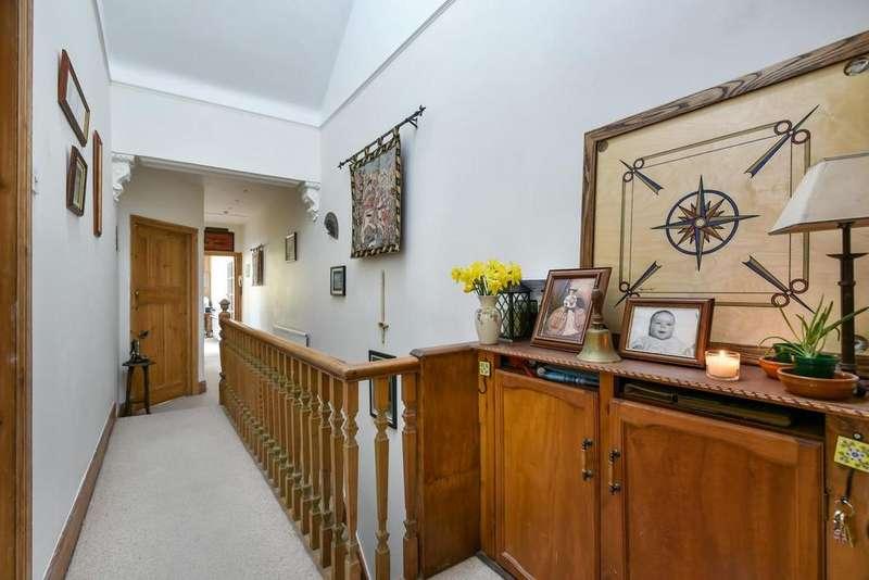 3 Bedrooms Flat for sale in Court Lane, Dulwich Village, SE21