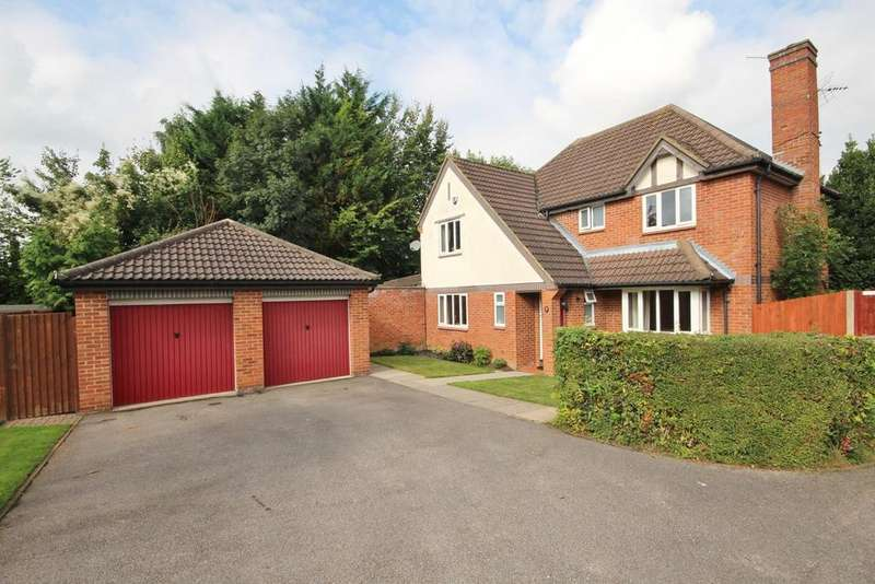 4 Bedrooms Detached House for sale in Rookery Drive, Bushmead, Luton, LU2