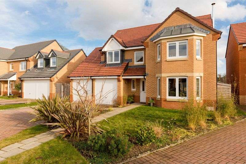 4 Bedrooms House for sale in 14 Kittlegairy Avenue, Peebles, EH45 9NN