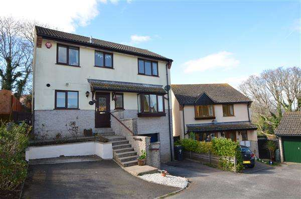 4 Bedrooms Detached House for sale in Cousens Close, Dawlish