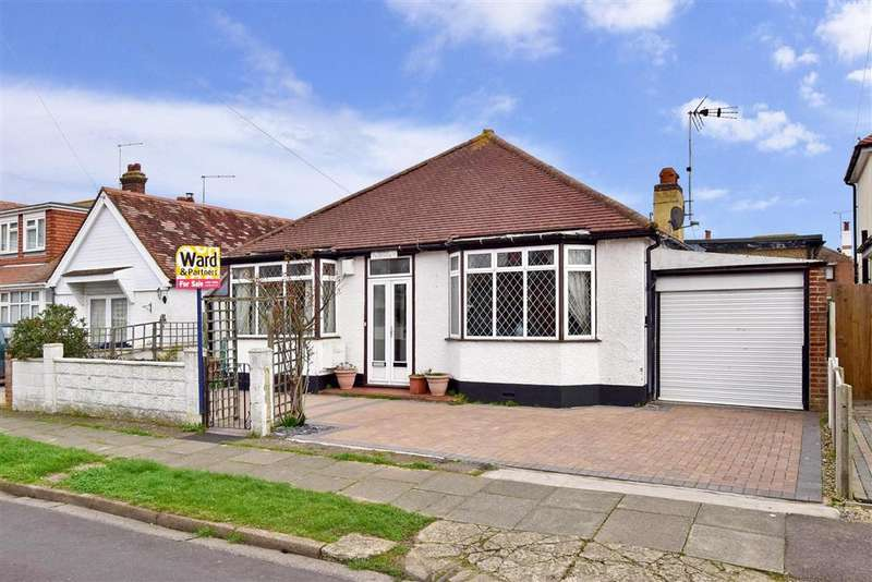 3 Bedrooms Bungalow for sale in Bournemouth Drive, Herne Bay, Kent