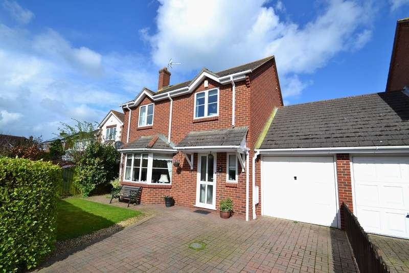3 Bedrooms Detached House for sale in Sturminster Marshall
