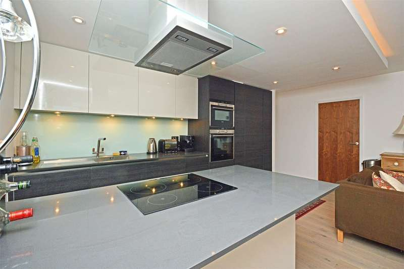 1 Bedroom Flat for sale in 183 Southside Apartments, Lower Richmond Road, Richmond, Surrey