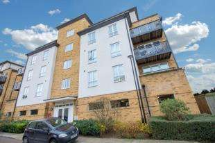 2 Bedrooms Flat for sale in Lords Court, 16 Headingley Drive, Beckenham