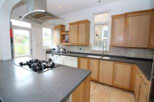 7 Bedrooms Semi Detached House for sale in Arran Road, Catford, London