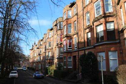 2 Bedrooms Flat for sale in Edgemont Street, Glasgow