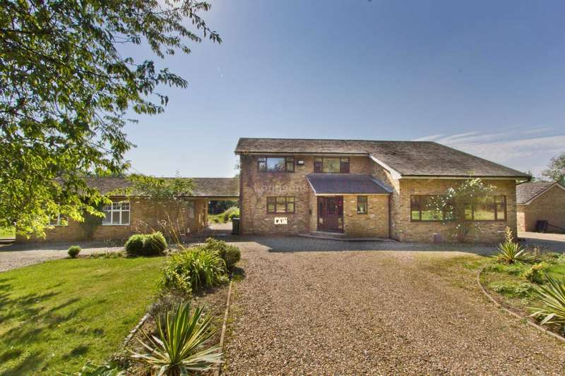 6 Bedrooms Detached House for sale in Carbrooke Road, Ovington