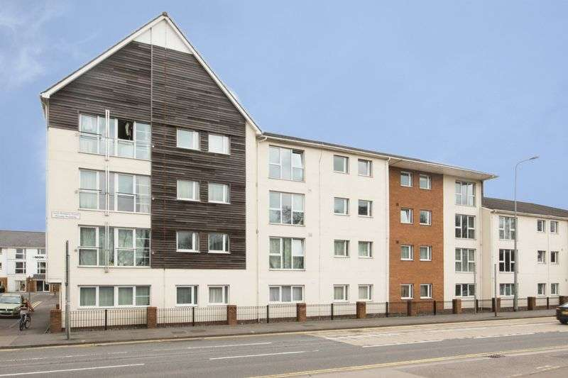 2 Bedrooms Flat for sale in Blackweir Terrace, Cardiff
