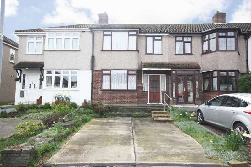 3 Bedrooms Terraced House for sale in Eastbrook Drive, Rush Green
