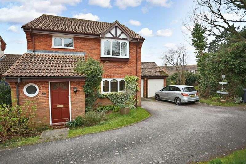 4 Bedrooms Detached House for sale in Durham Close, Exmouth