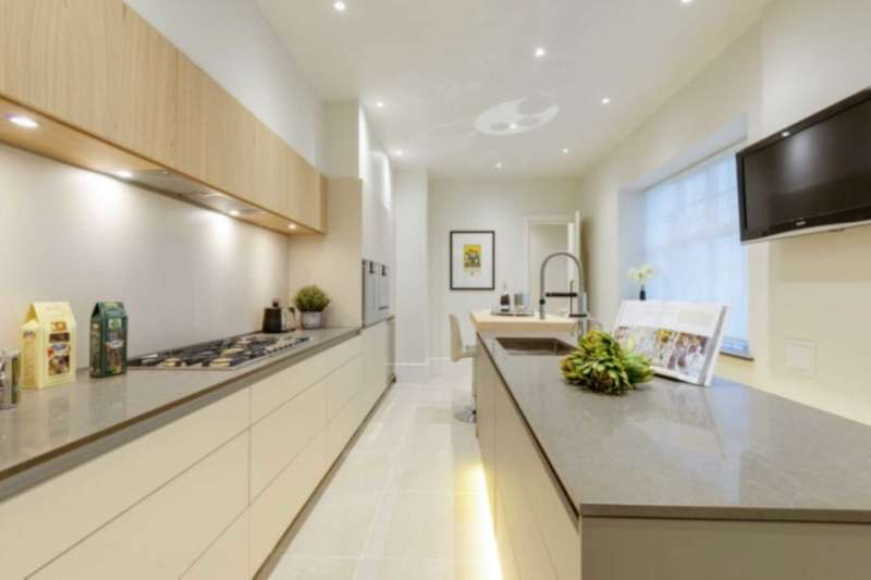2 Bedrooms Flat for sale in 1b Camberwell Road, London.