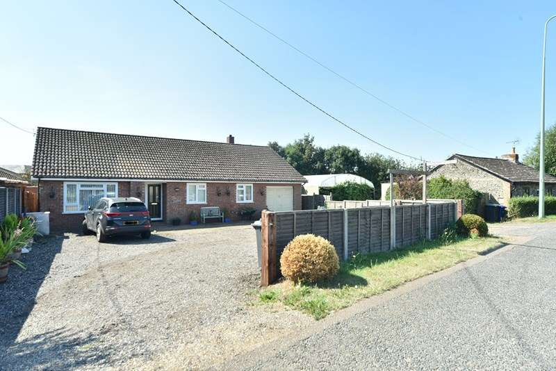 3 Bedrooms Bungalow for sale in Stock Corner, Beck Row, Bury St. Edmunds