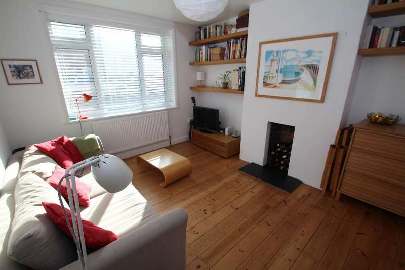 2 Bedrooms Flat for sale in Hadley Court, 3 Dallington Road, Hove, East Sussex, BN3 5HS