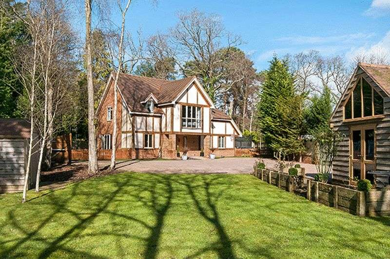 4 Bedrooms Detached House for sale in Chilworth