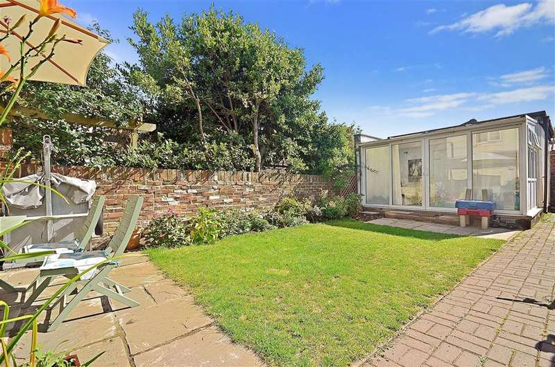 3 Bedrooms Terraced House for sale in North Street, Emsworth, Hampshire