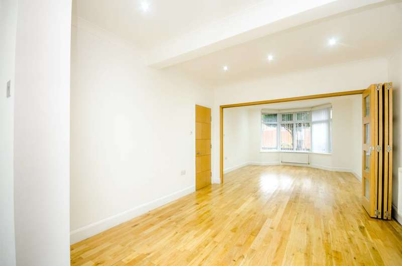 4 Bedrooms House for sale in Esk Road, Plaistow, E13