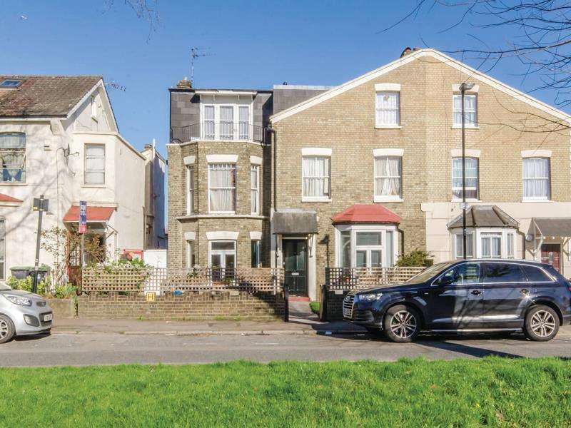 2 Bedrooms Ground Flat for sale in Trinity Road N22