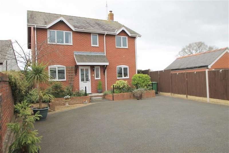 4 Bedrooms Detached House for sale in Wrexham Road, Marchwiel, Wrexham
